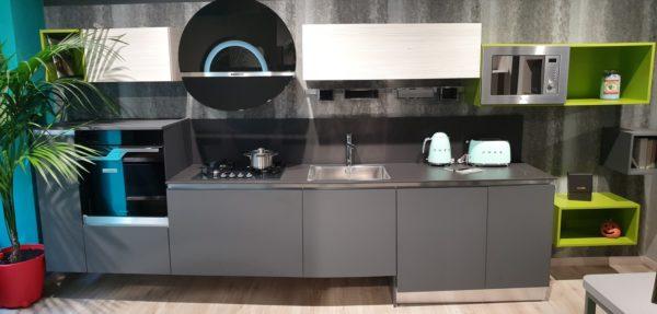 cucine italiane moderne lineari 420 cm laccato antracite con cappa a vista