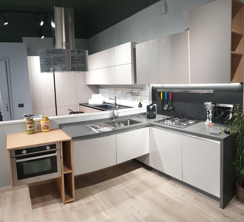 Cucina Moderna Ad Angolo Sky 255 X 184 Cm Myl Idea Cucine Moderne E Arredamenti Componibili A Torino